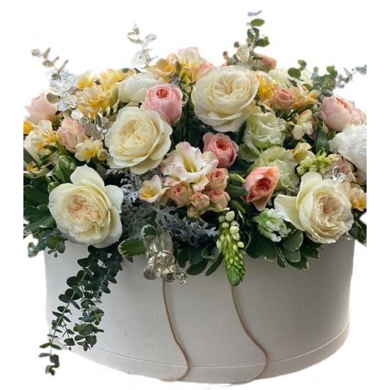 Box Huge of Roses, Spray Roses, Eustoma, Fresca, Eucalyptus and Greens