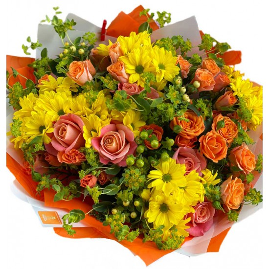 Bouquet of Roses, spray roses, Chrysanthemums, hypericum