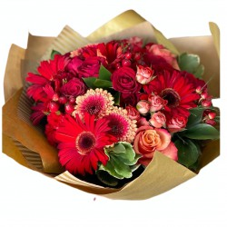 Bouquet of Roses, Spray Roses, Gerbera, Ruscus, Hypericum