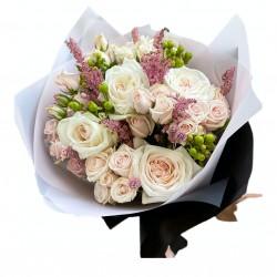 Bouquet of Roses, Spray Roses, Hypericum