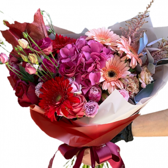 Bouquet of Hydrangeas, Roses and Spray Roses and Gerberas